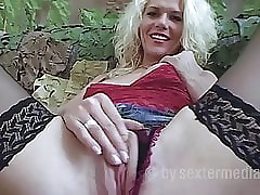 Saleable Milf Anna makes a sexual relations acceptance