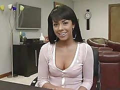 Paulina - Hot Auspicious Pick
