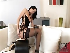 Slayer gets fucked wide of a Sybian