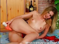 Cute Trull Masturbating